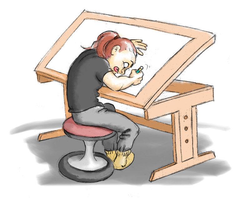 Illustratorin zeichnet vorgebeugt an Zeichentisch